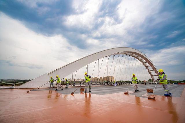 琴湖大桥涂装作业.jpg